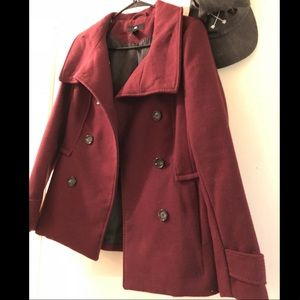 Gorgeous H&M peacoat in burgundy